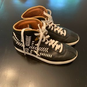 Alexander McQueen puma black & white shoes 8.5